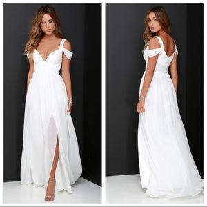 lulu's / ocean of elegance ivory maxi dress nwt